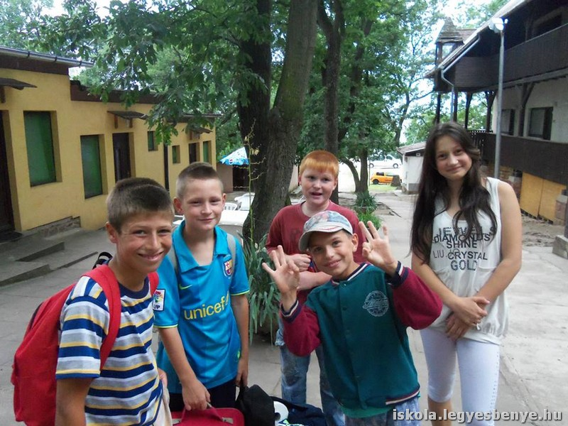 A Balatonnál táboroztunk Pálkövén